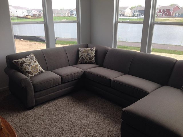 Here is a @bassettfurniture we recently delivered. The custom ordered made for a perfect fit in their home. Another happy customer! #sofa #sectional #homedecor #indiana #smallbusiness