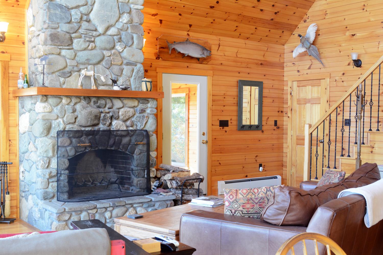 su-great-room-fireplace-2.jpg