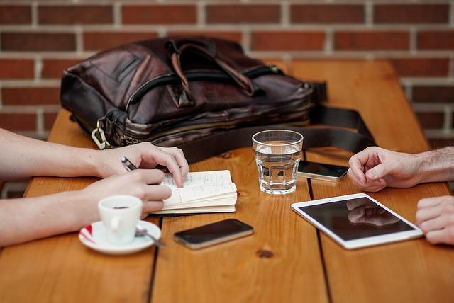 business-meeting-1238188_640.jpg
