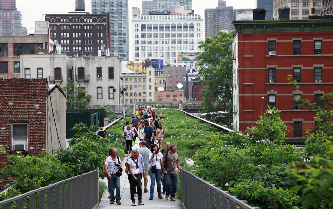 5. PUBLIC GREEN SPACE   Publicly accessible and usable green space should comprise 20-40% of the cons  truction on areas (residential areas should have bigger coverage). All residences   should have accessible public space within 500 meters. A wonderful example of public green space is the Highline in New York City. This public green promenade was converted from an old abandoned elevated railway. Now, the structure is given new life in a way that the whole community can enjoy.