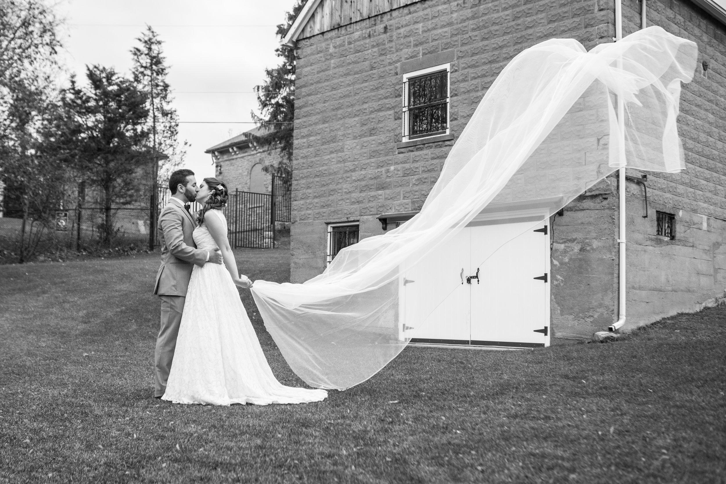 Wedding Photography Hamilton Ontario Ancaster Burlington Oakville
