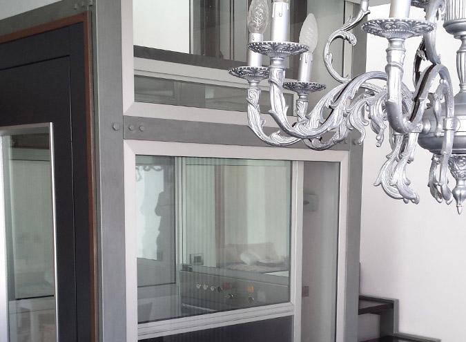 PIATTAFORME→   Per superare le barriere architettoniche che impediscono l'installazione di ascensori.