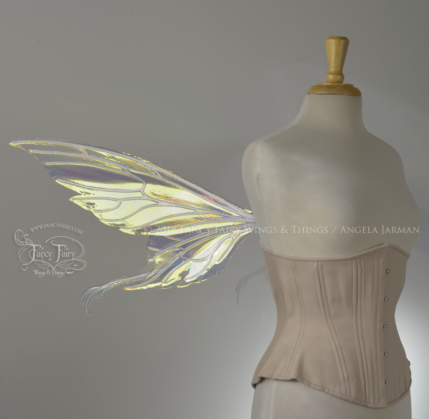 Aynia / Morgana Lowers Fairy Wings