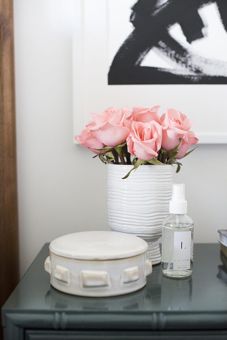 Room For Tuesday Blog: 'A Chic Bedroom'