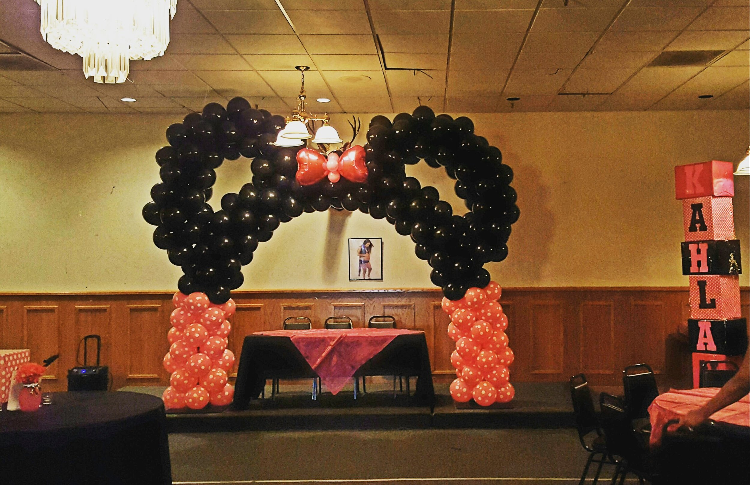 minnie mouse arch pittsburg ca.jpg
