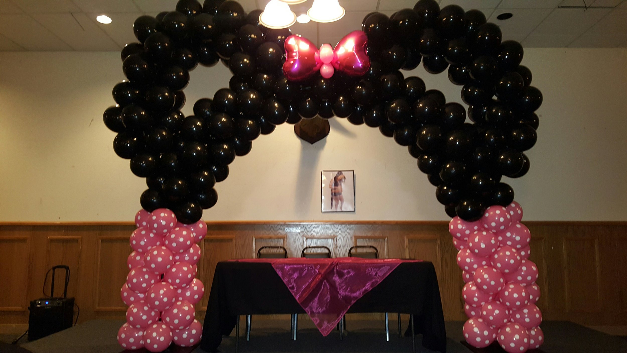 minnie mouse arch pittsburg ca 2.jpg