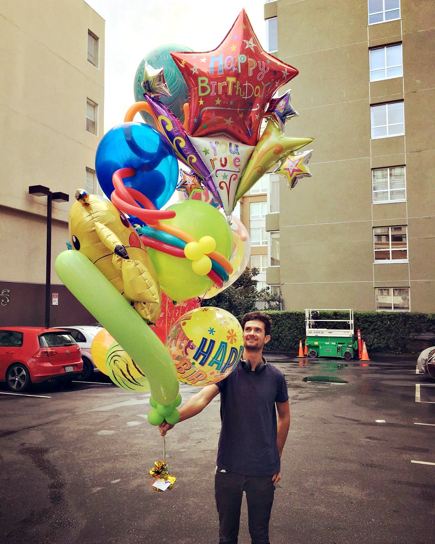 Balloon Specialties Big Balloon Bouquet Zim.jpg