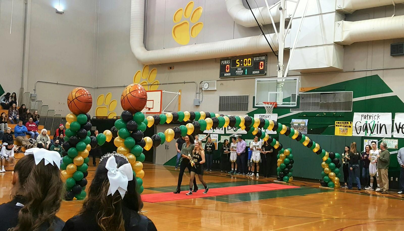 Single Line Arch Balloon Column Santa Rosa Graduation.jpg