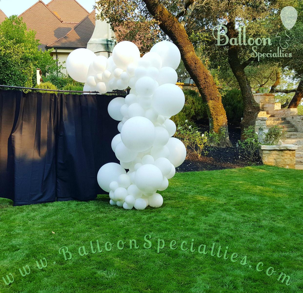 Organic Balloon Garland Column San Francisco _ Zim Balloons.jpg