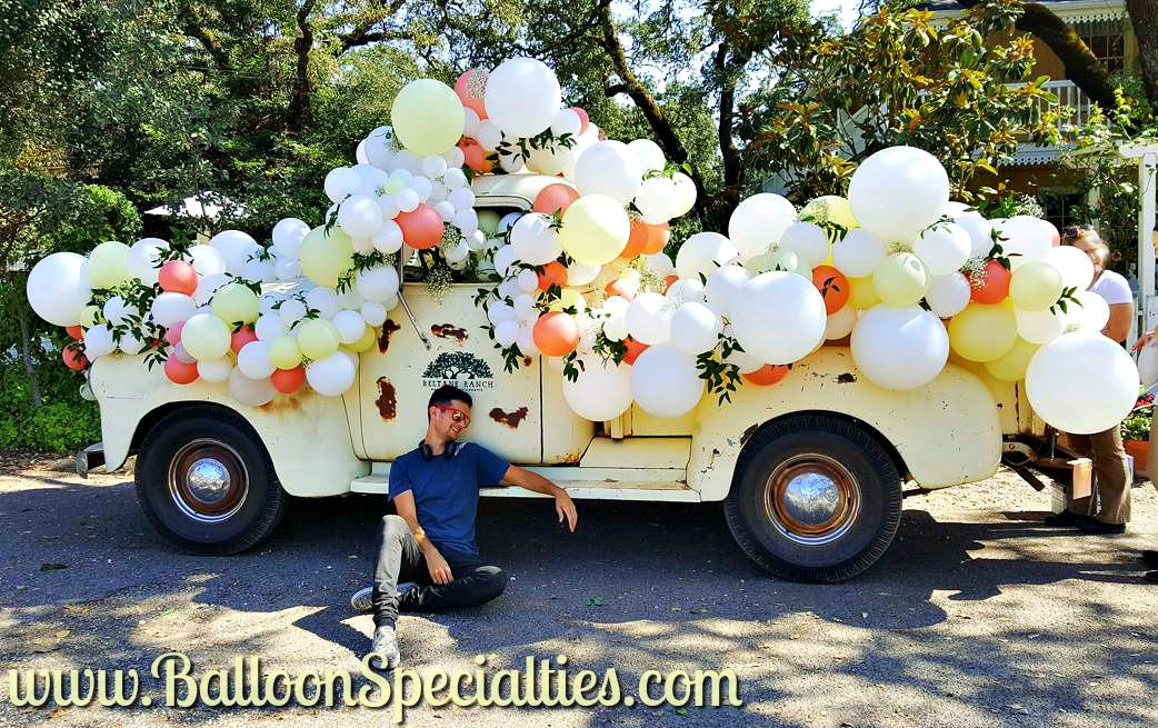 Sonoma Beltane Ranch Truck Wedding Balloon Garlands Zim Balloon Specialties San Francisco_1.jpg
