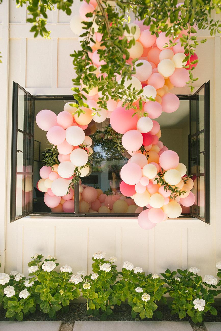 Outdoor Balloon Decor Garland San Francisco Zim Balloons.jpg