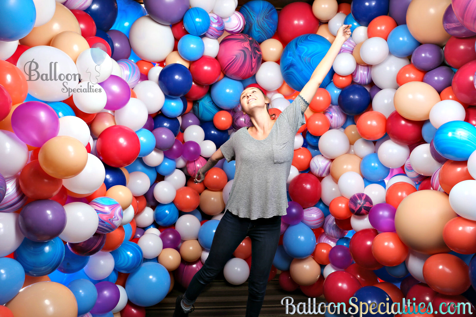 Branded Zim Balloon Specialties San Francisco Balloon Wall photobooth 180 degrees.jpg