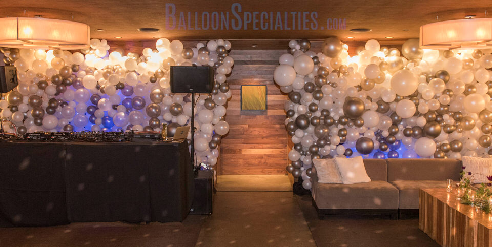 SF Balloon Delivery - Modern Organic Balloon Bubble Wall  - Zim Balloon Art Specialties.jpg