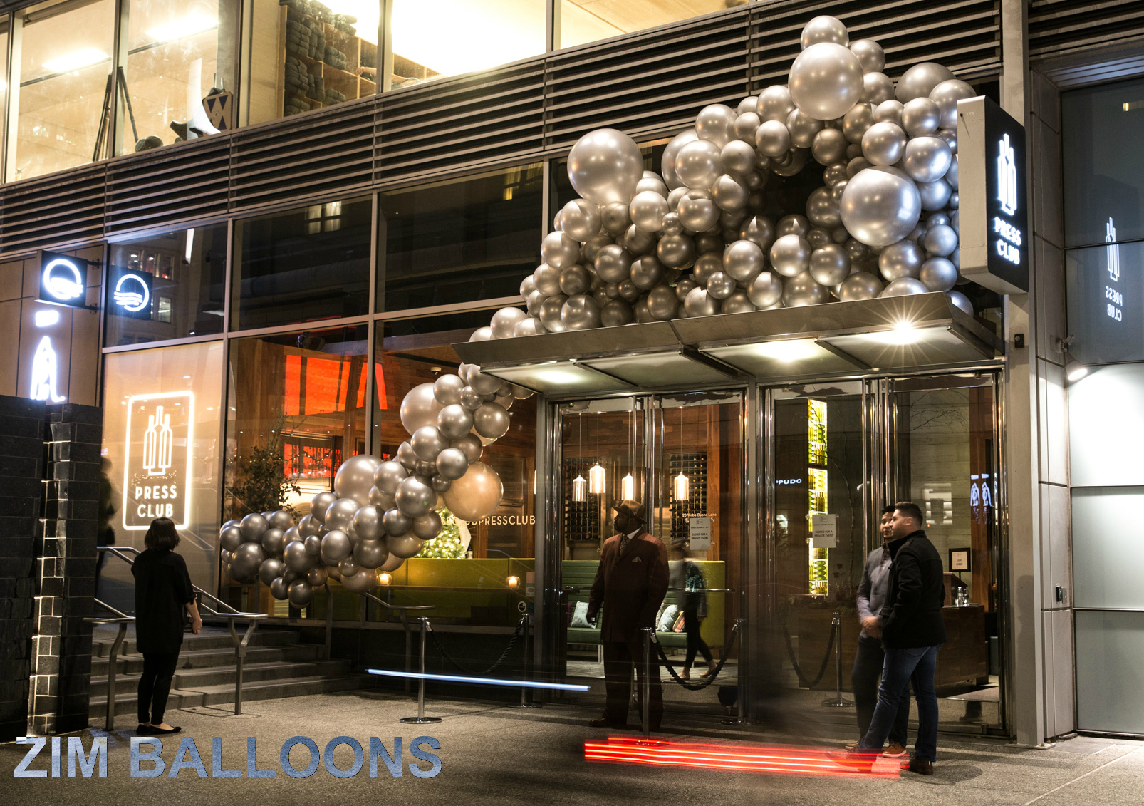 Organic Balloon Installation SF Balloon Art - Zim Balloons.jpg