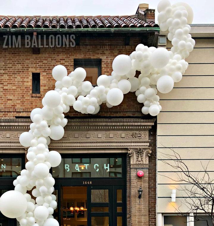 SF Balloon Installation Organic Garland Balloonicious - Zim Balloons.jpg