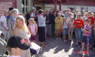 Lässtyrelsens Länsarkitekt, Inger Berggren, är förste talare.