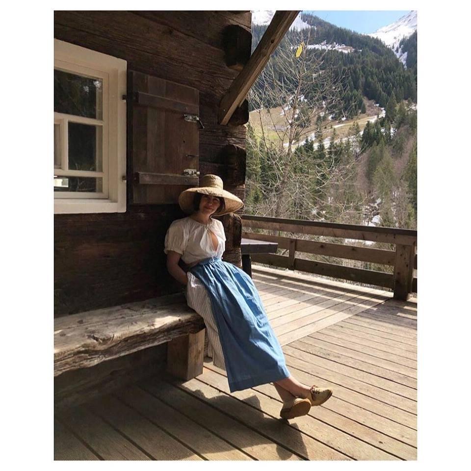 Instagram -    @sontravaofficial     #sontravabeauty     Avgustina skirt    in Cream