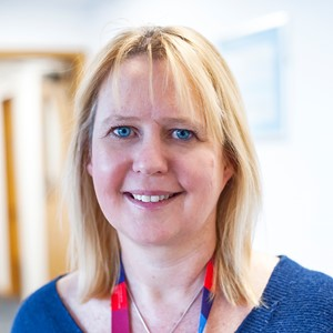 """SARAH WILLIAMS-  Associate Director of Research & Improvement, Solent NHS Trust   """"Let's get messy: Research in the Real World"""""""