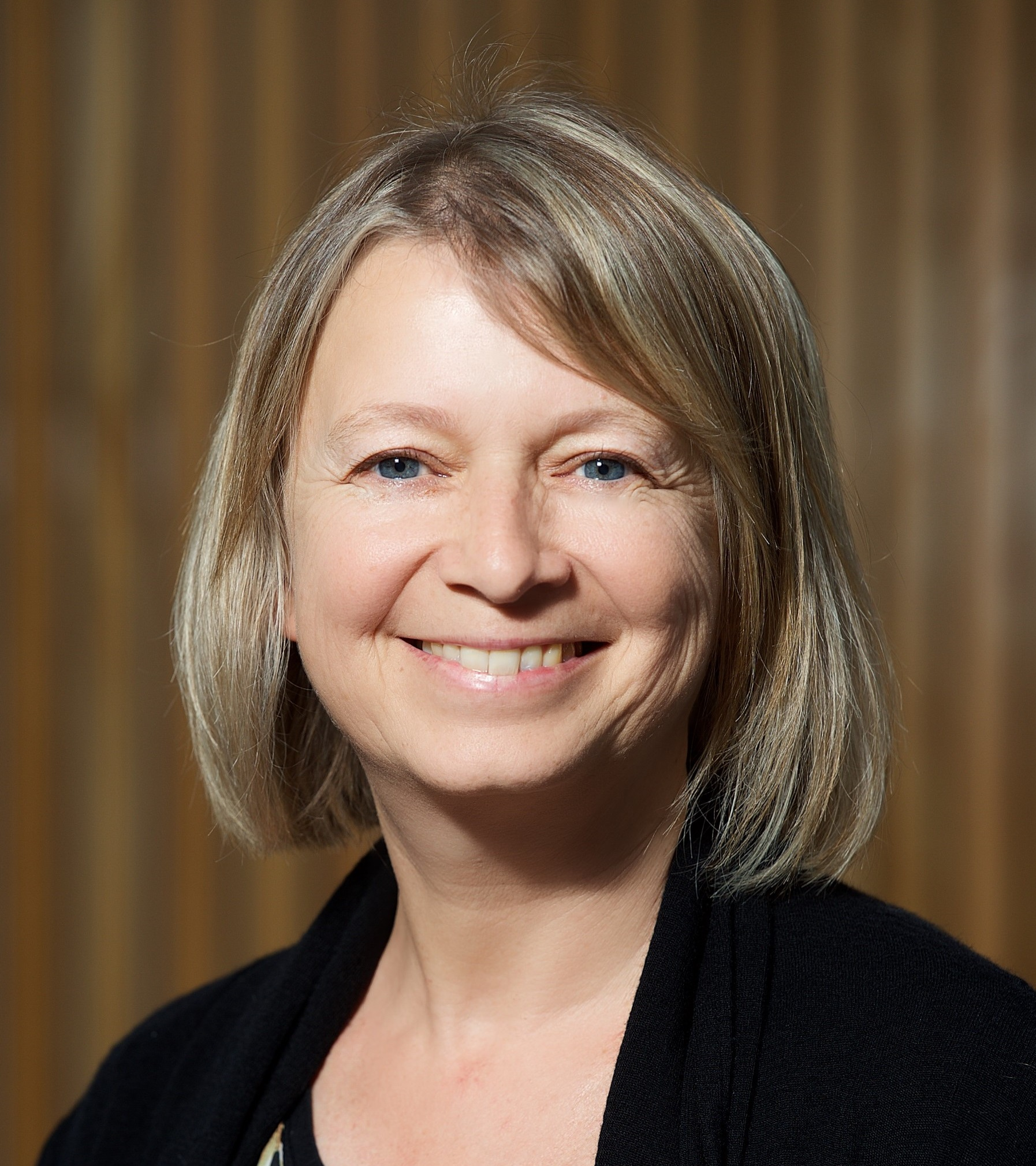 """SARAH BENGE-  Research Operations Manager, Cancer Trials New Zeakand, University of Auckland   """"Giving the EDGE to Auckland"""""""