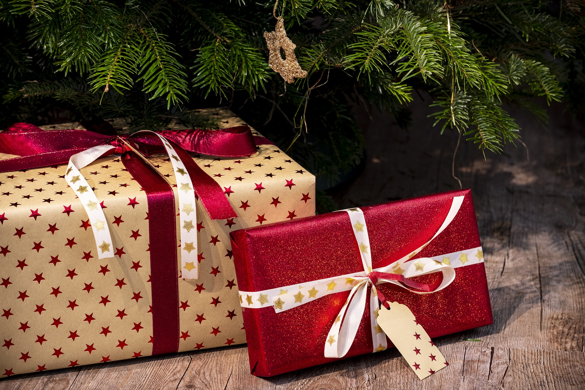 gifts-3835455_1920.jpg