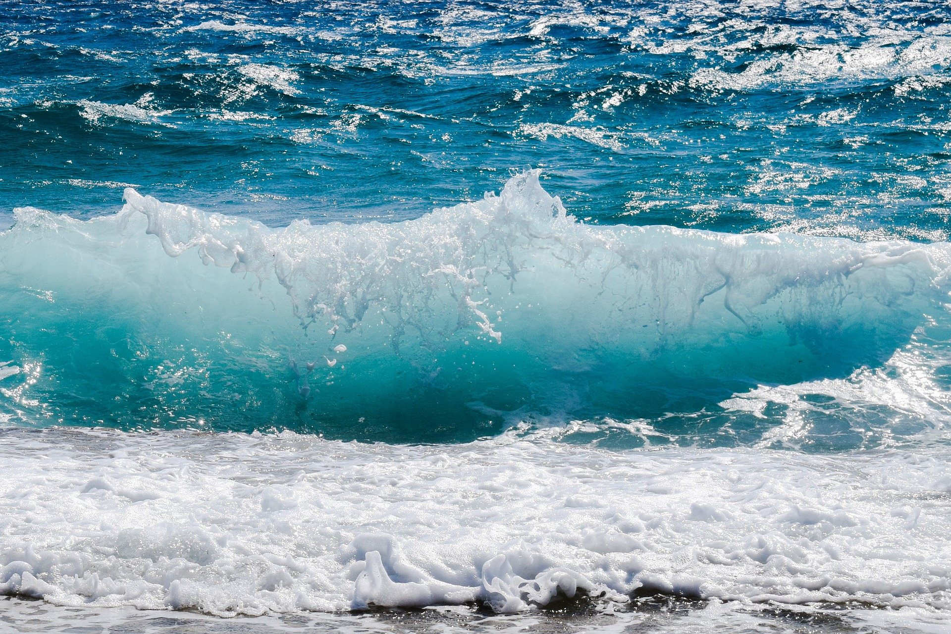wave-2211925_1920.jpg
