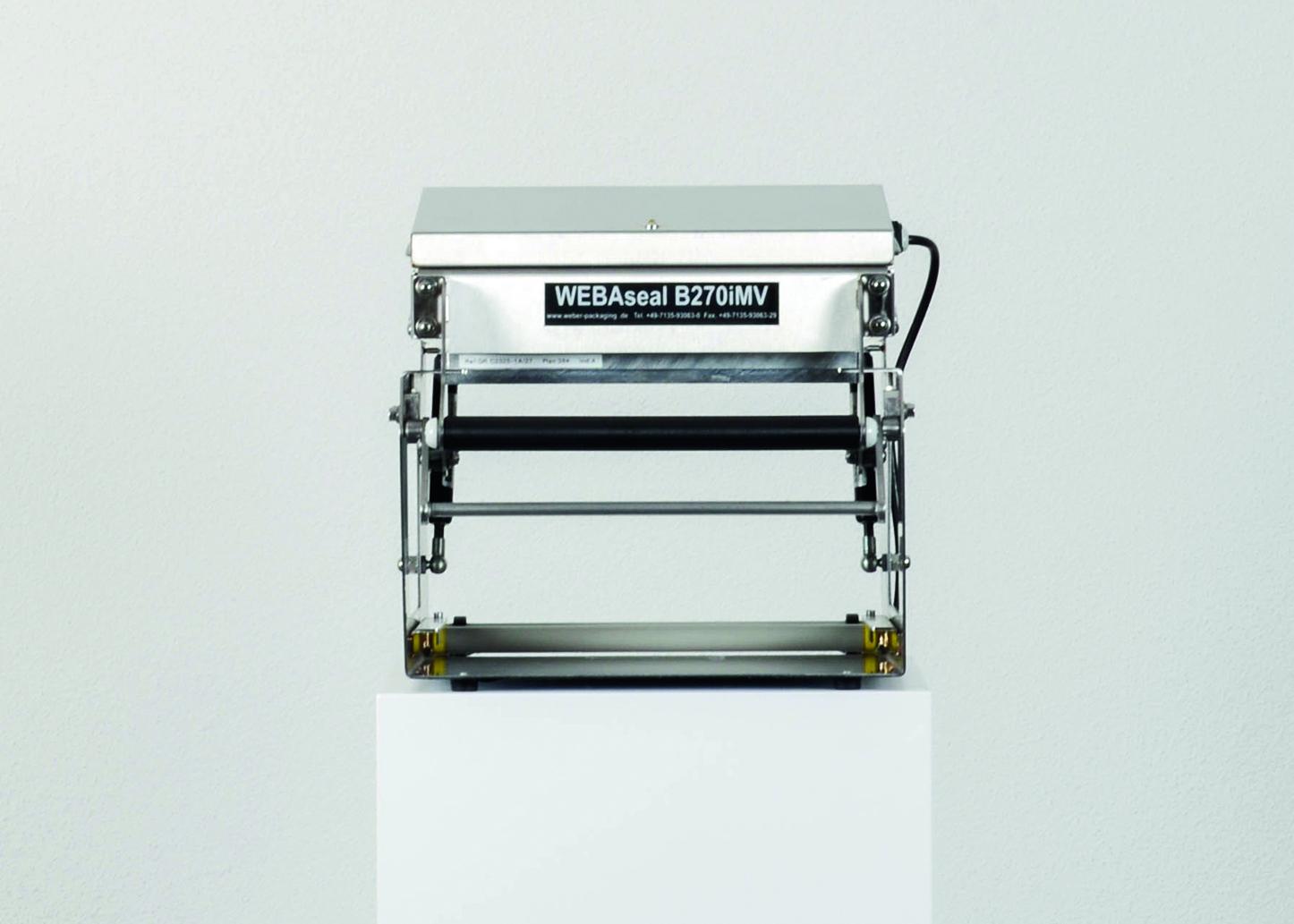 TECHNISCHE DATEN    Typ:  B270iMV  BxHxT:  325 x 680 x 535 mm  Gewicht:  24 kg  Leistung:  1.200 Watt  Spannung:  230 V  Siegelfläche:  270 x 345 mm  Folienbreite:  bis 270 mm