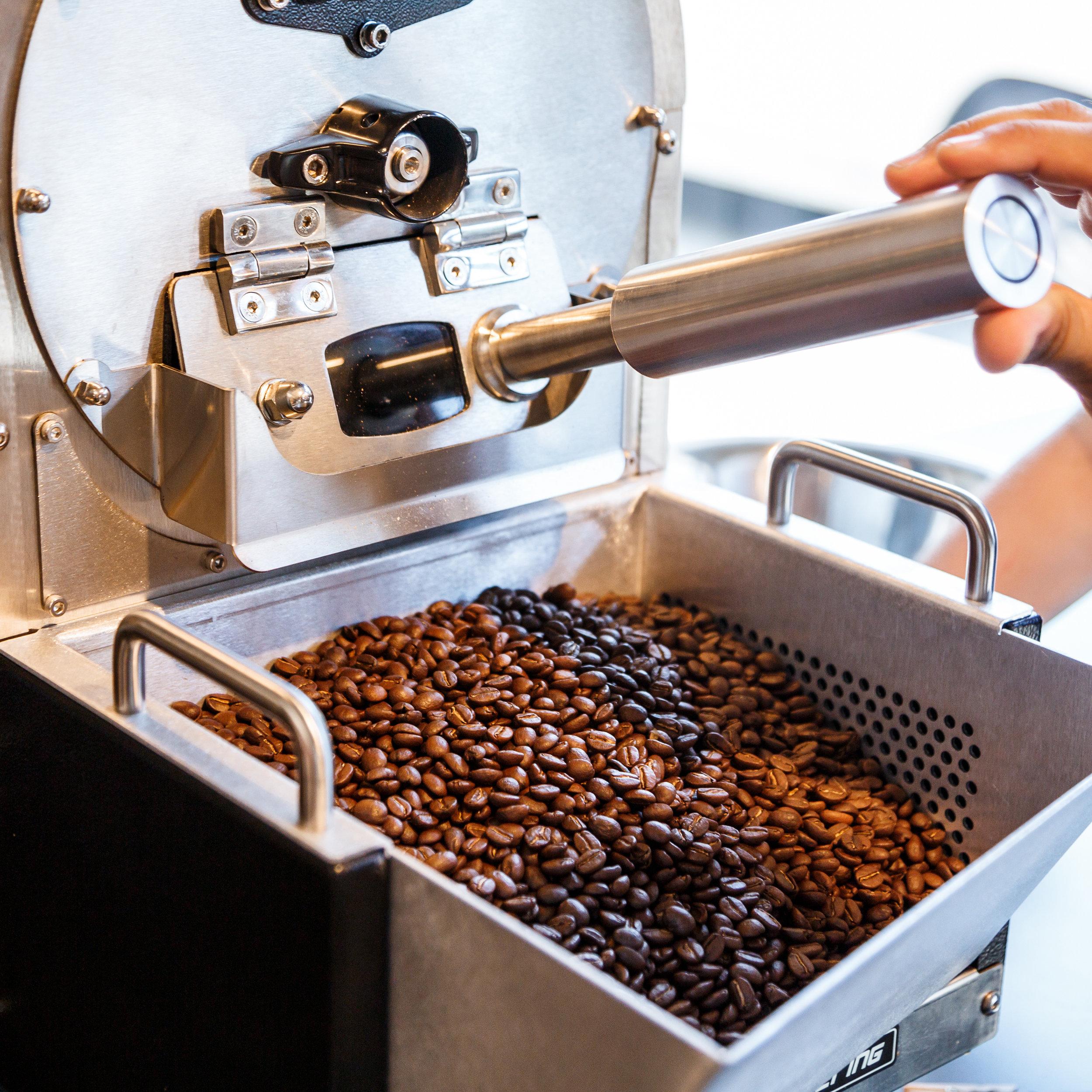 WEBA roast  Für alle, die Kaffee vor den Augen Ihrer Kunden rösten wollen, und die Liebe zu Lebens- und Genuss-Mitteln innehaben.