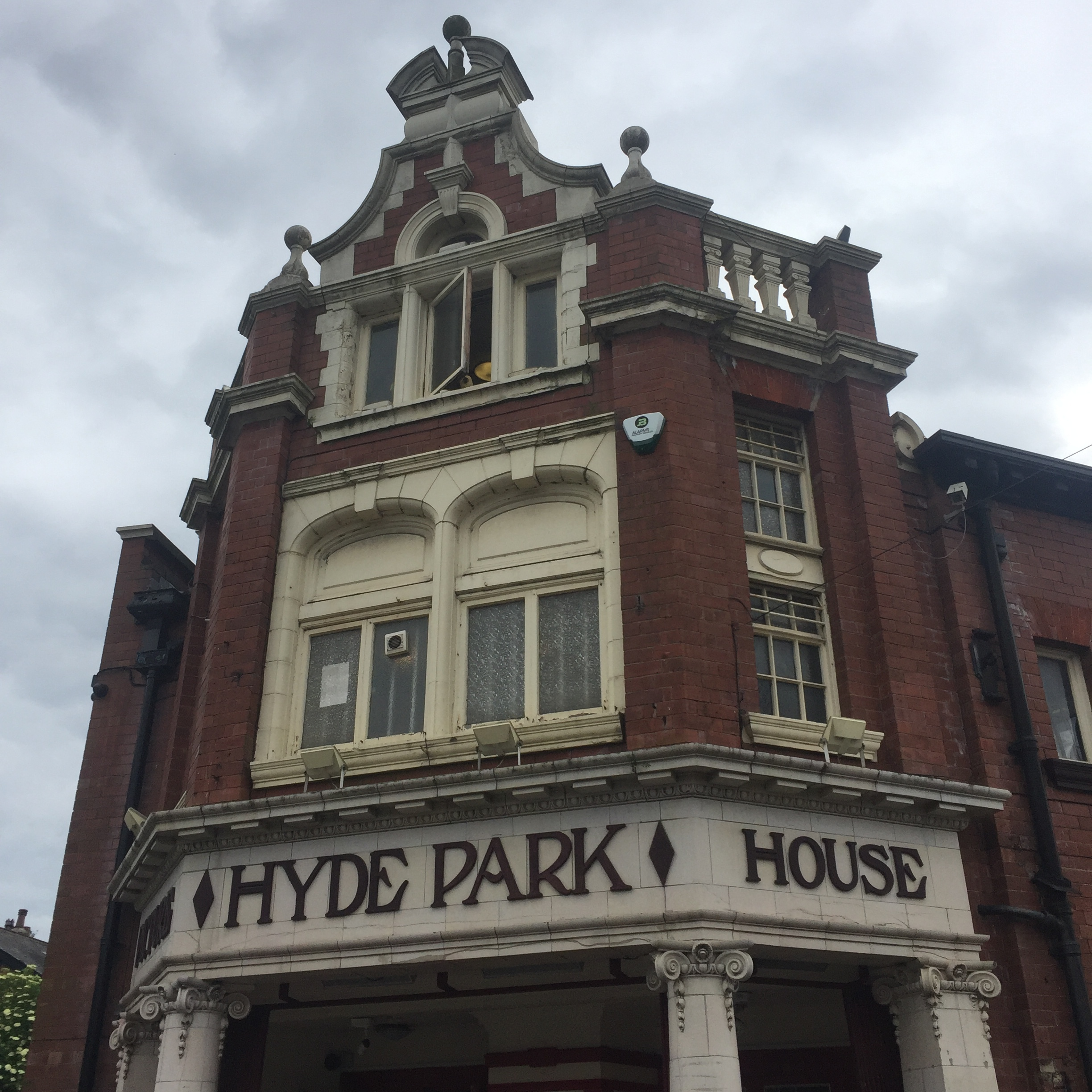 19-Hyde_Park_Picture_House.jpg
