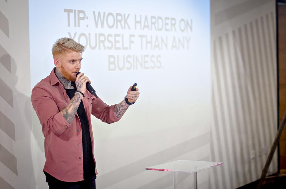 Loui Blake speaking at Vevolution Topics Entrepreneurs 2018