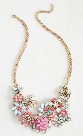 Vow to Wow Necklace in Magenta   Mod Retro Vintage Necklaces   ModCloth.com.png