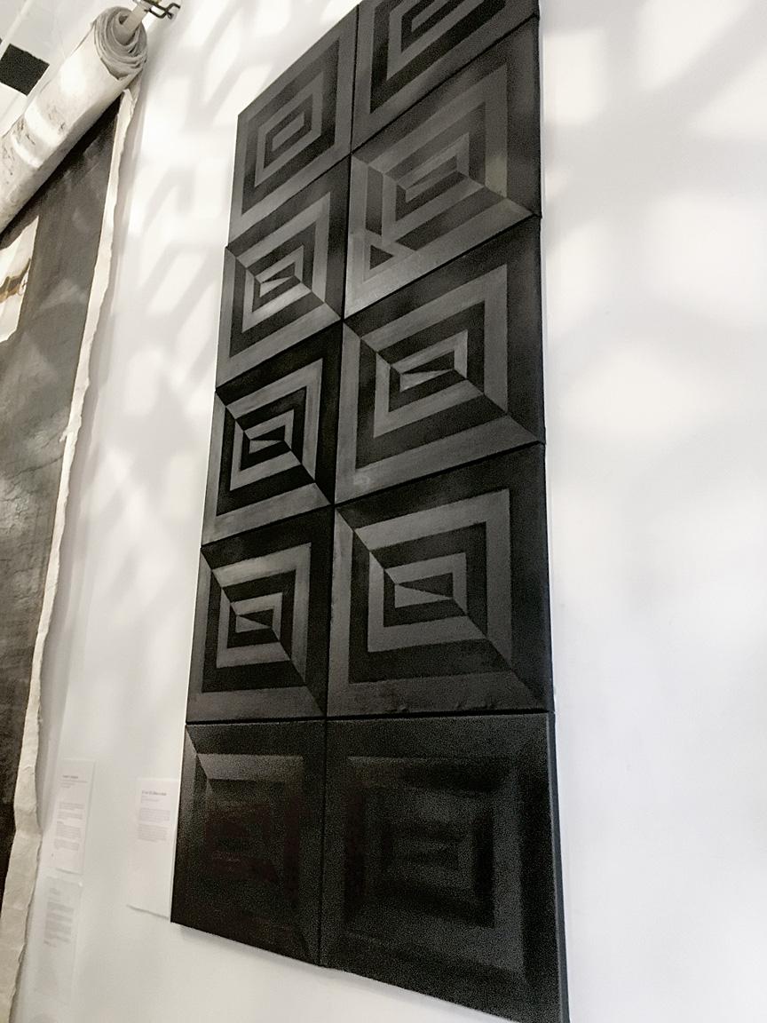 Uli 'i he 'ULI (Black on black)  Visesio Siasau,10 x 20 x 16, Oil on Canvas (2016)
