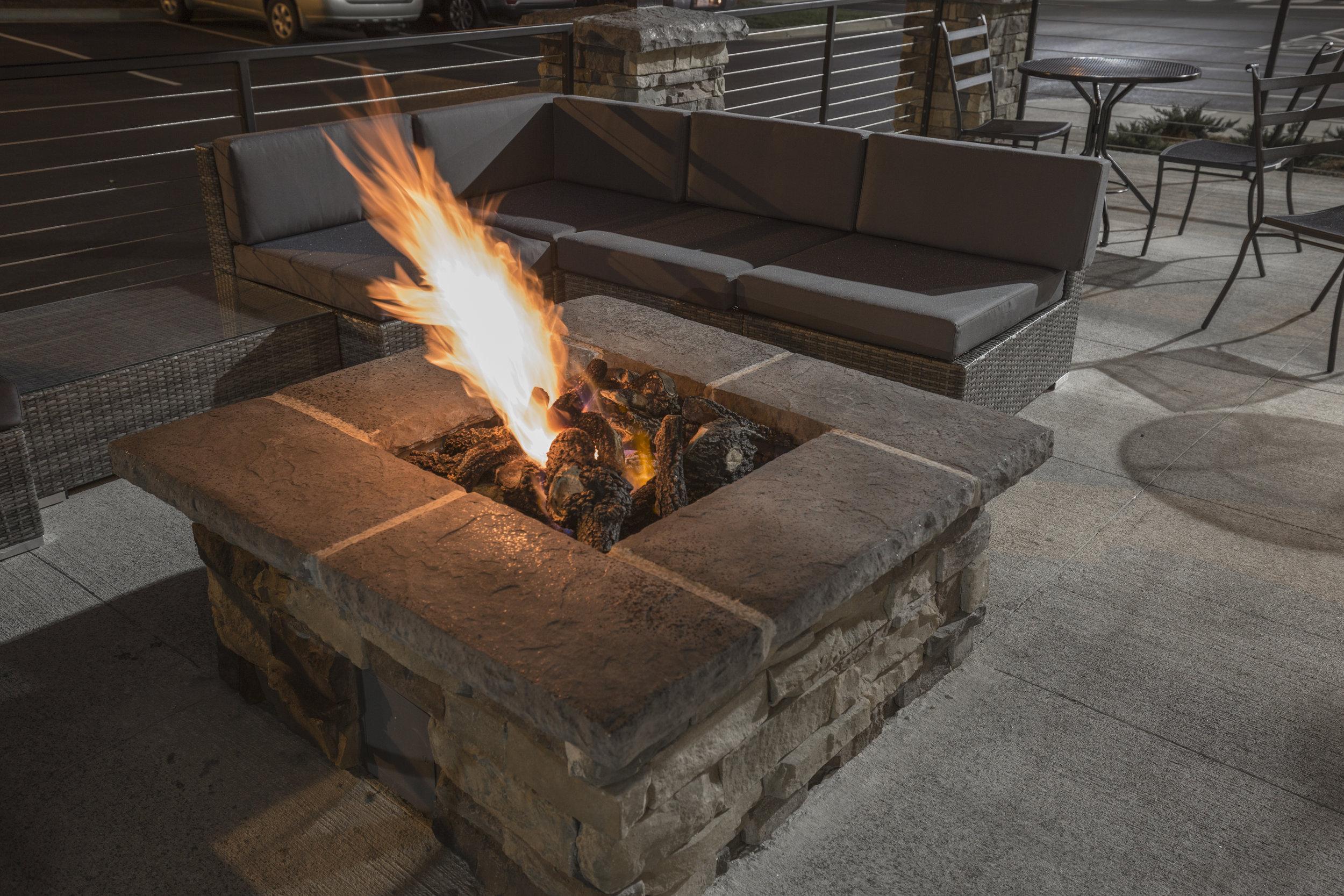 Lounge (Firepit).jpg