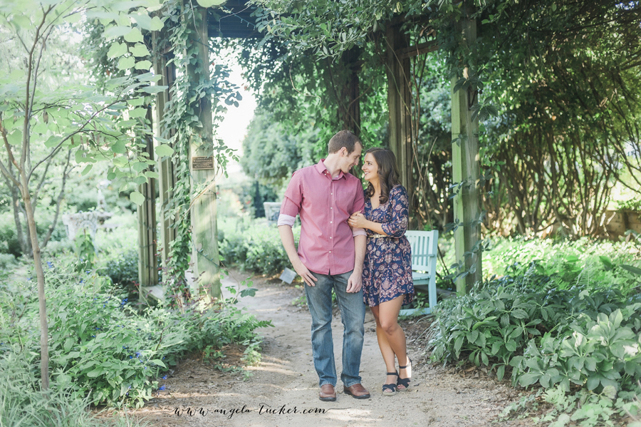Charlotte-Wedding-Photography-McGill-Rose-Garden-Engagement-Session-Natalia-Richie0490.jpg