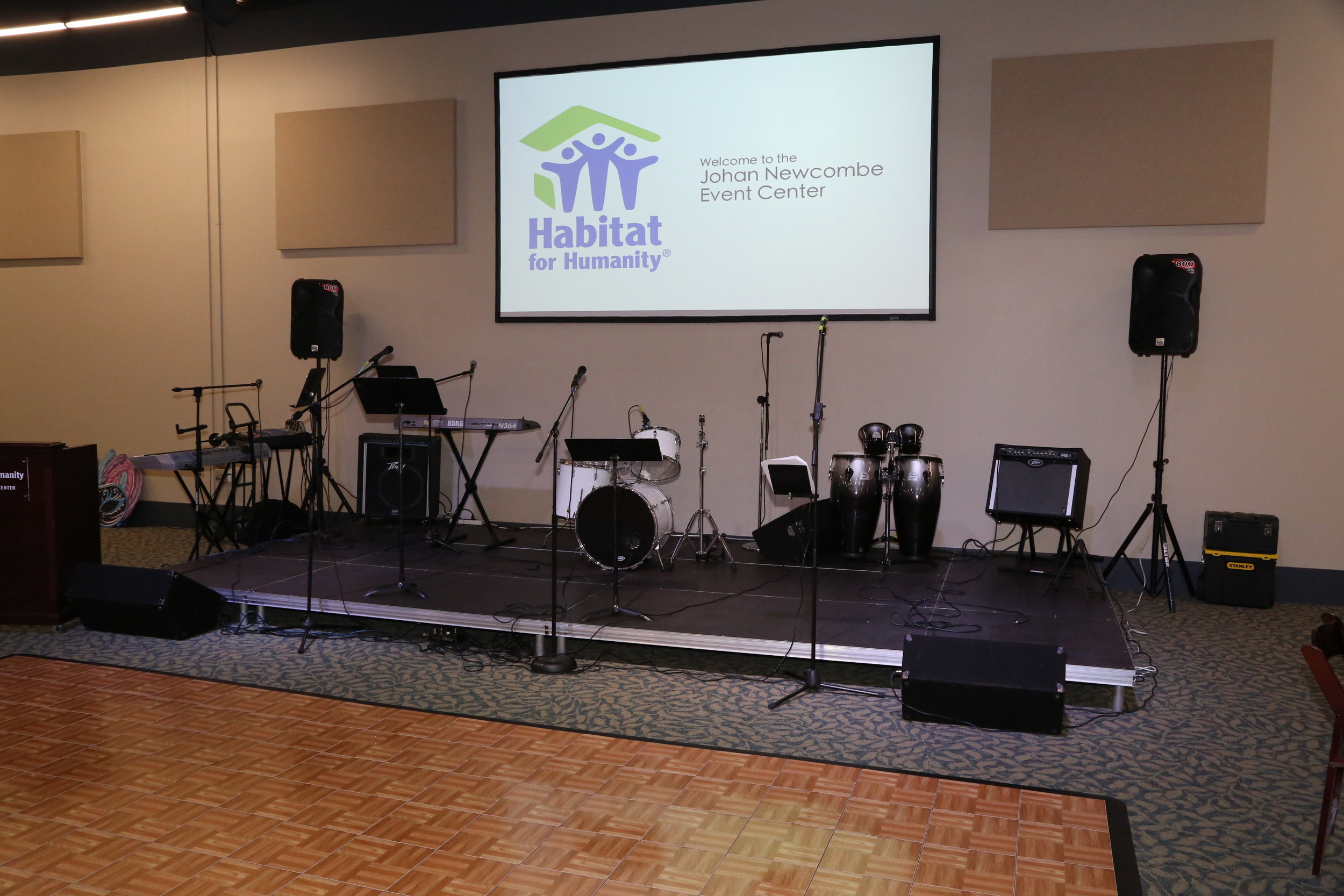 BAND SET UP AND 20 X 20 DANCE FLOOR Resize.jpg