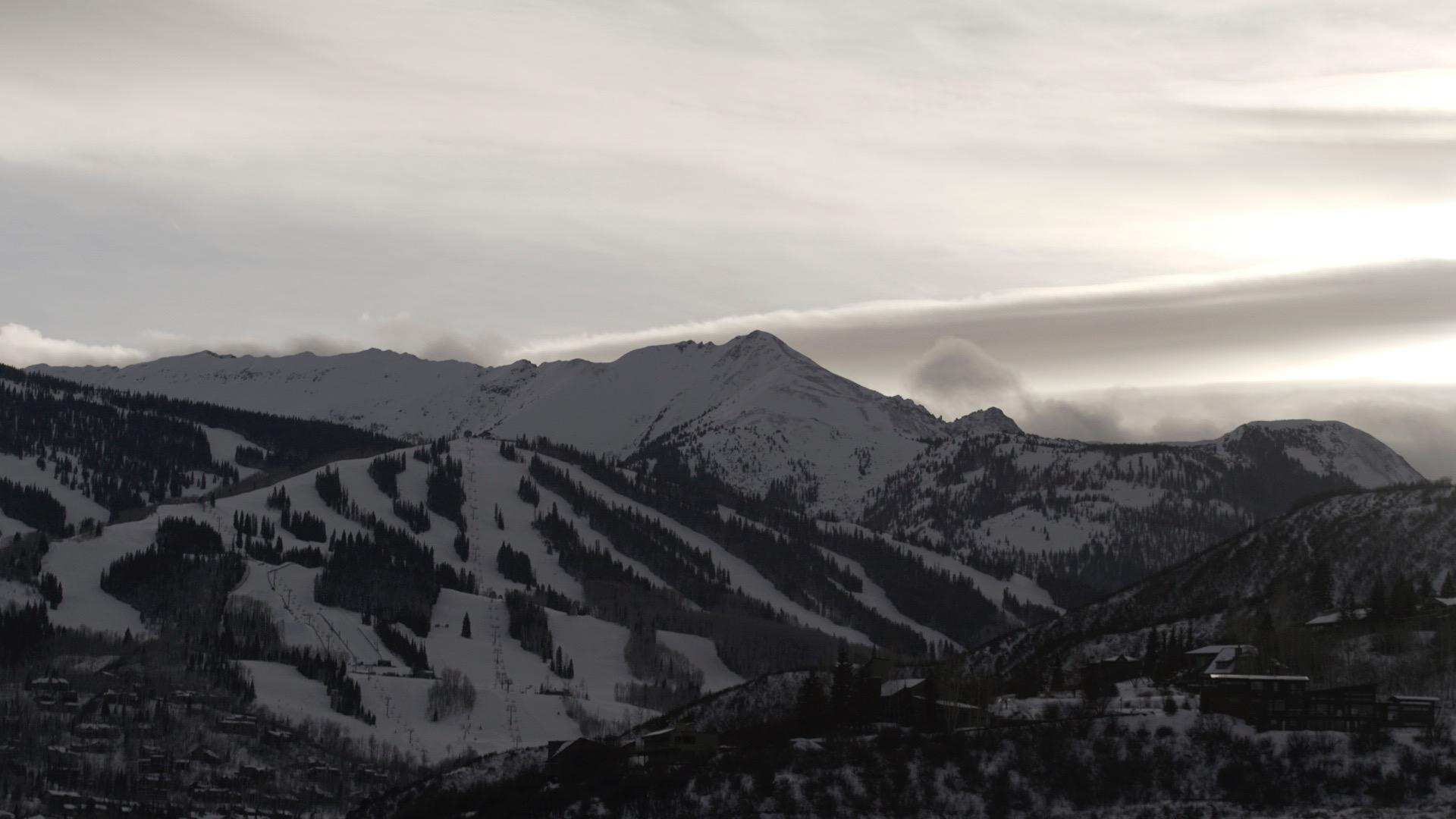 Beauty view of the mountains!   Photos by Brody Jones ( @brodyjonescinema )
