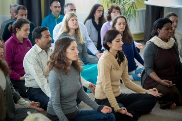 Group Meditation Instruction - bring peace to your life with meditation, bring simplicity, bring relief