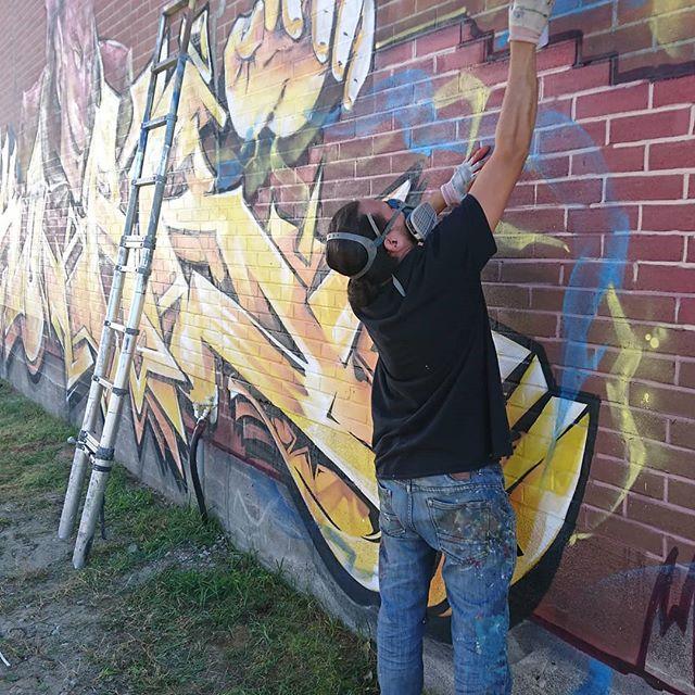 #piece #graffiti sous la magie de @korb_crazyapes direct de l'#abitibi.  #magic #abitibi #CA #crazyapes #doseculture #thebegining #brickman #graf #montanapaint #MTN94 #graffiti #spraycan #tobecontinue #LaCorne #Preissac #korb