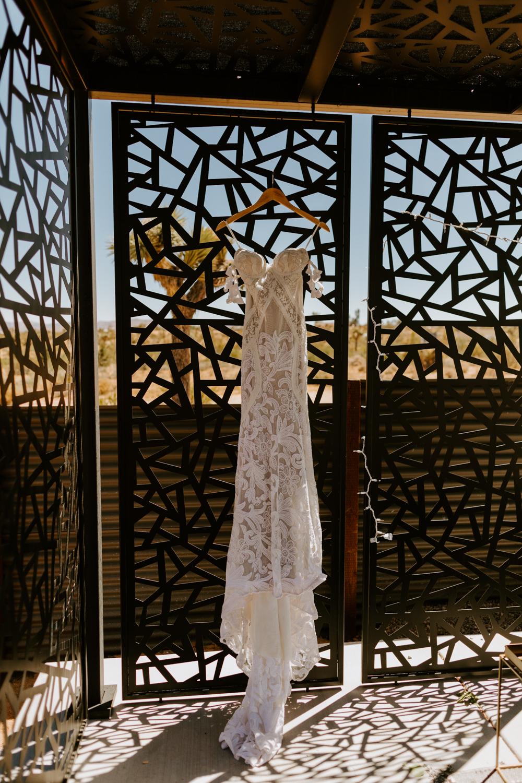 Rue de Seine Poppy Stardust Wedding Dress   Joshua Tree Wedding   Tida Svy www.tidasvy.com