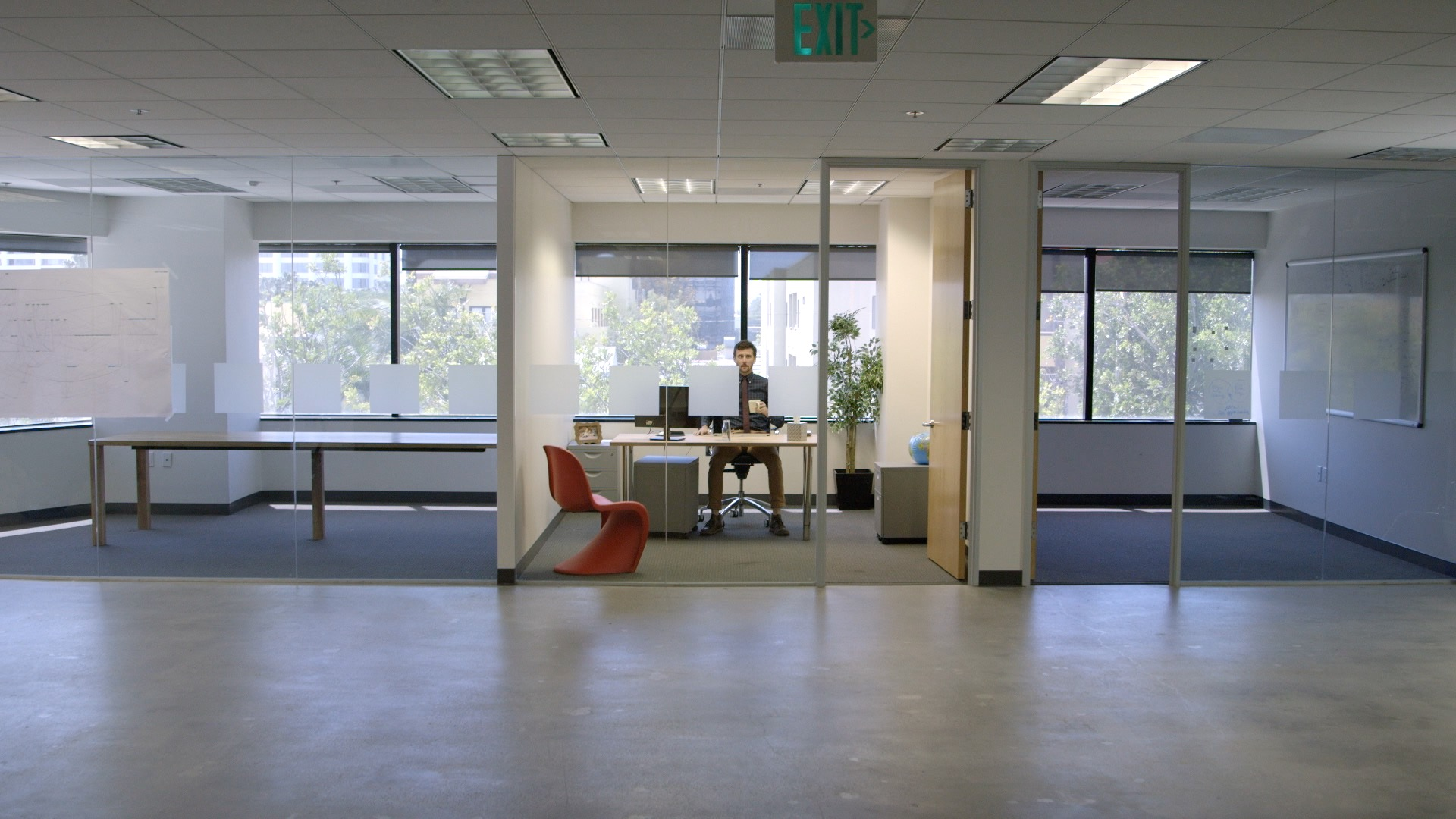 ZR Empty Office 1.jpg