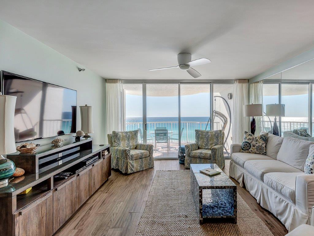 Living area with Beauftiful Gulf View.jpg