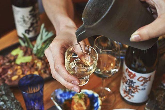 Cheers to Friday! You earned it 😉 . . . . . . . . . #Japaneserestaurant#GoodbyeSummer #japanesecusine #japanesefood #foodie #zagat #yelpnyc #sizzling #wagyu #tuna #sashimi #handroll #fish #hokke #steak #steamedmussels #wine #sake #japanesesake #cheers #tgif #nycfoodie 