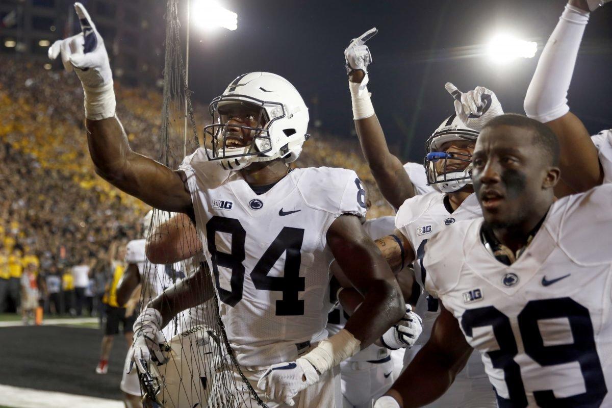 Trace McSorley, Juwan Johnson connect; Penn State stuns Iowa on final play