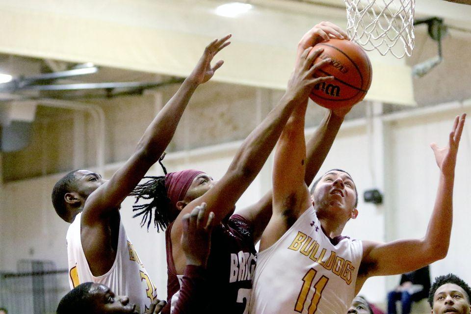 Glassboro boys basketball continues strong start with win over Bridgeton in Pitman Tournament