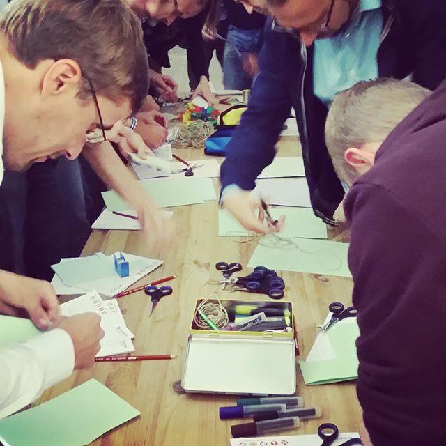 #prototyping bei unserem #designthinking #crashcourse im Kepler Salon in Linz