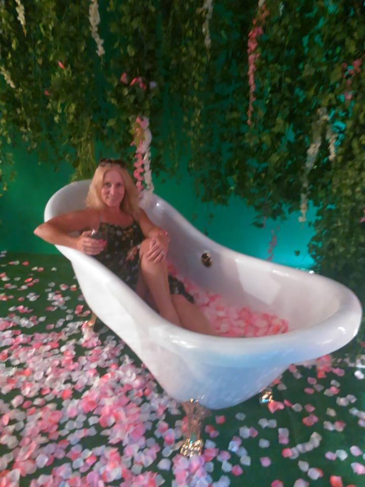 rose tub.jpg