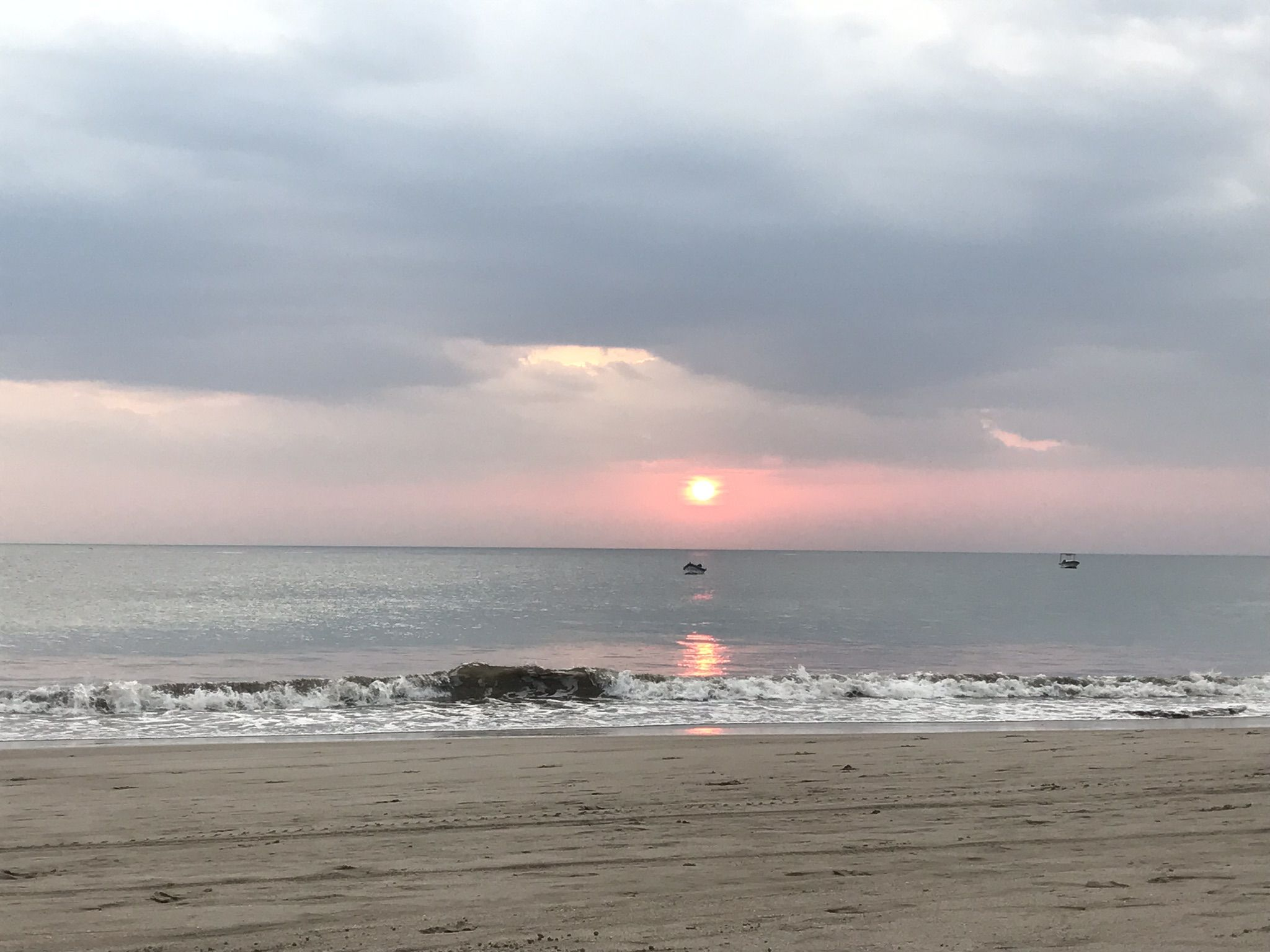 This is not the most fantastic Playa Marsella sunset shot, but are there any bad sunset pics?