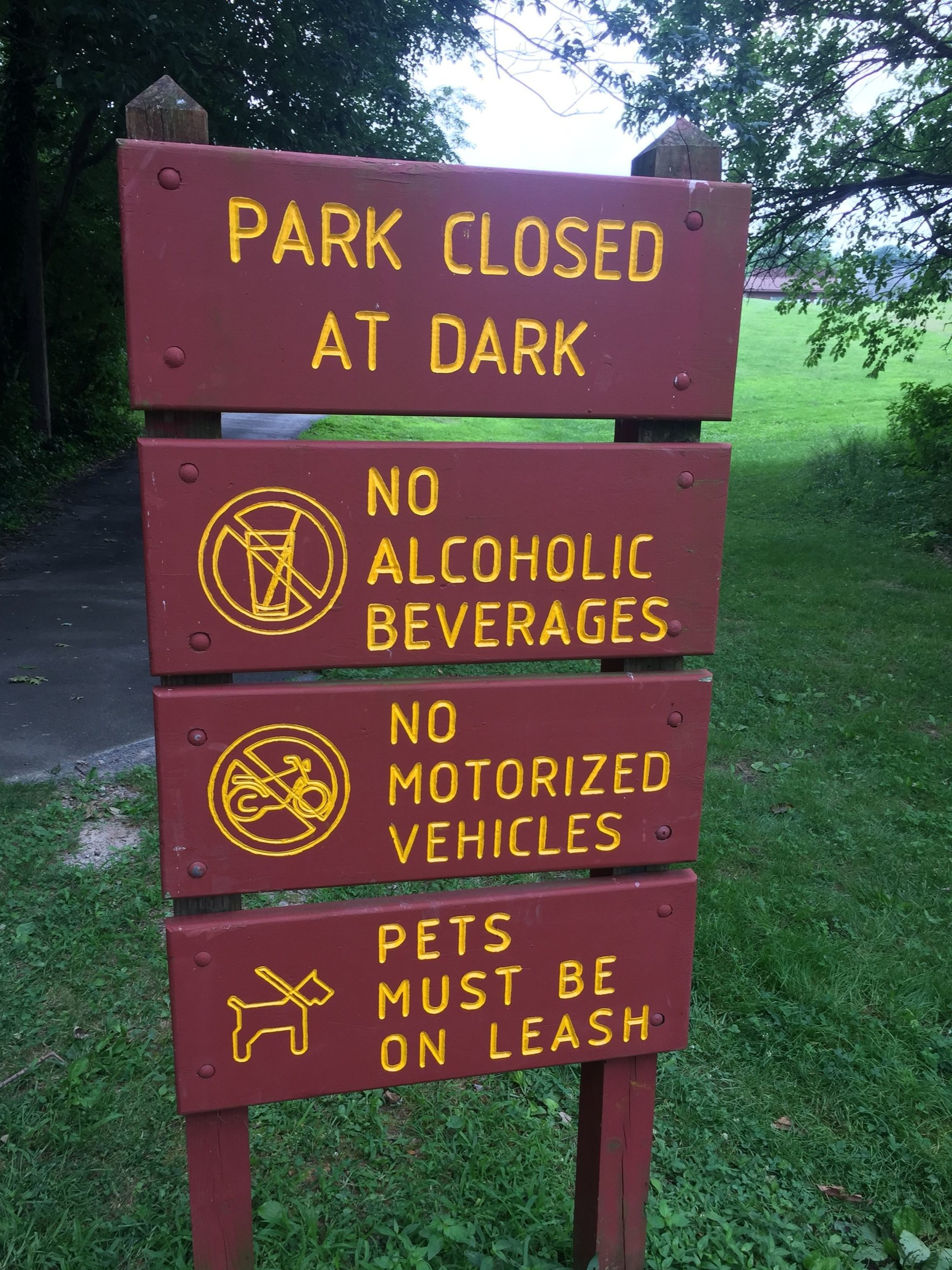 Park Rules in US County Park - mere suggestions in Mexico