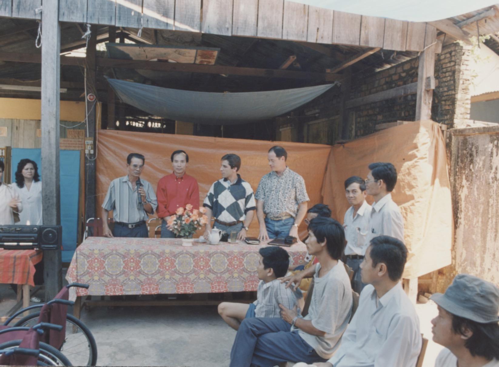 VNAH 1995 Amputees - 49.jpeg