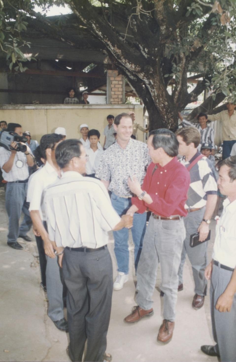 VNAH 1995 Amputees - 104.jpeg