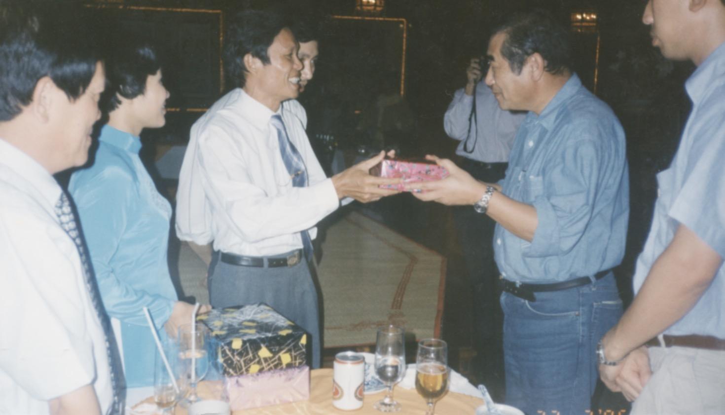 1996 VNAH Amputees - 27.jpeg